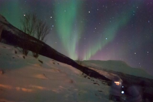 Aurora Boreal sobre el cielo de Skitbon